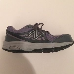 New Balance Shoes - $9 new balance 847 v2 sneakers like new